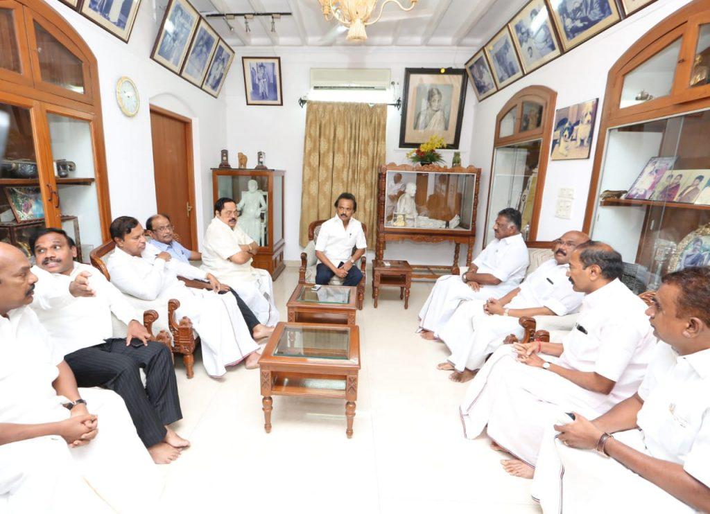 ops visit karunanidhi house