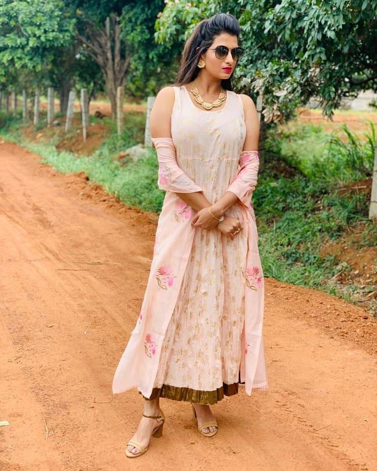 Rashmi Jayaraj in Naam iruvar Namakku Iruvar serial