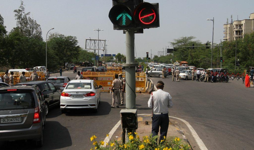 Coronavirus Outbreak : Delhi-Noida borders are sealed