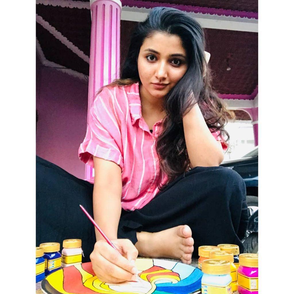 Tamil celebrities images, Adithi Menon